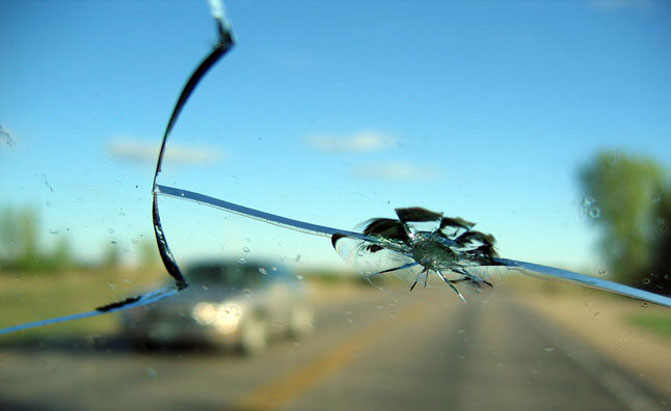 cracked windscreen