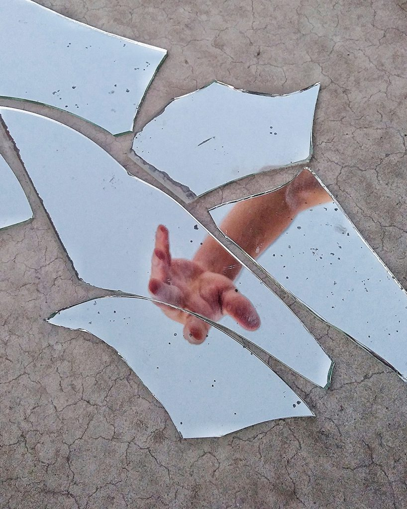 Car Glass does NOT shatter like this