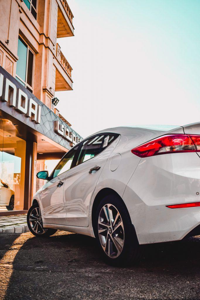 White Hyundai i20 outside