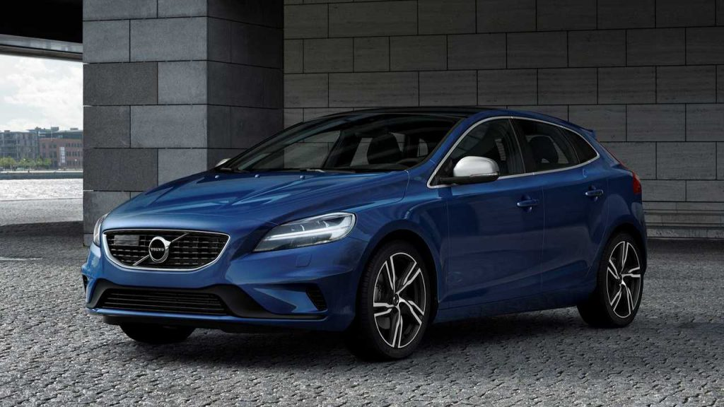 Midnight Blue Volvo V40 with new windscreen replacement